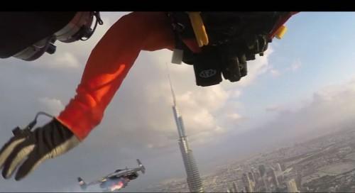 Jetpack duo soars over Dubai in astonishing 4K video