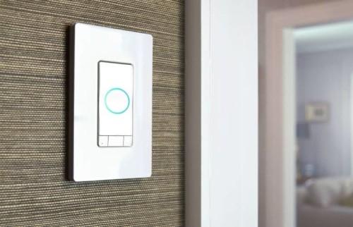 4-in-1 HomeKit smart switch puts Alexa in your wall
