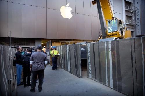 Apple dodges $59.2 billion tax bill by holding cash overseas