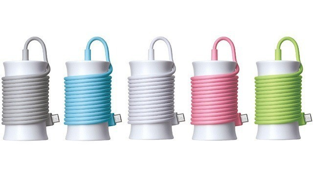 Cute Cable-Winding Power Plug Comes In Lightning And USB Flavors