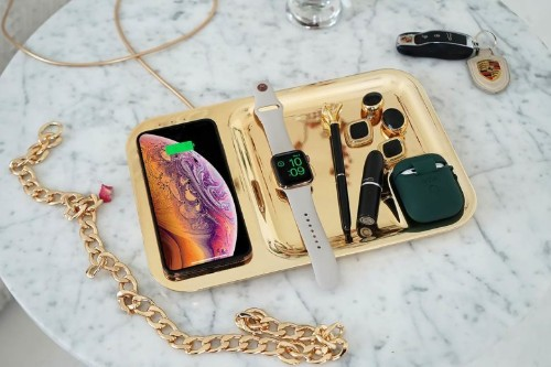 Colorful tray charges iPhone, Apple Watch and Air Pods in style