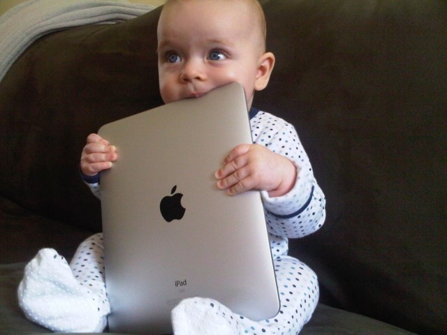 Psychologist: Giving your kid an iPad is 'child abuse'
