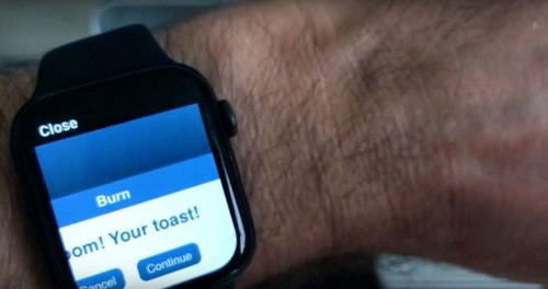 Developer burns CD with his Apple Watch
