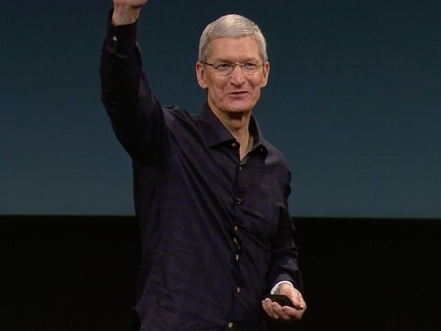 Tim Cook was just awarded $58 million in Apple stock