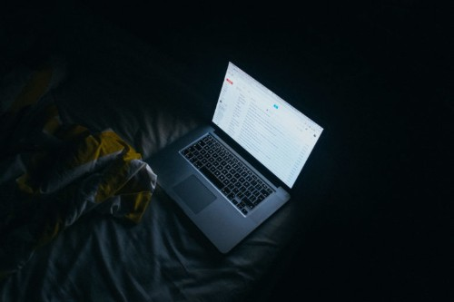 Activate Night Shift mode on your Mac and spare your eyes