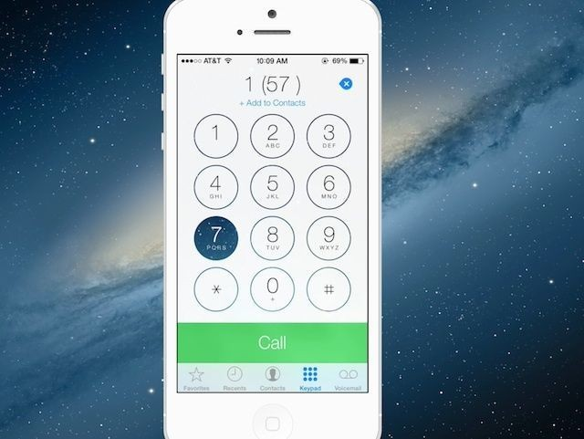 iOS 7 Keypad Buttons Now Morph Into Your Homescreen Background