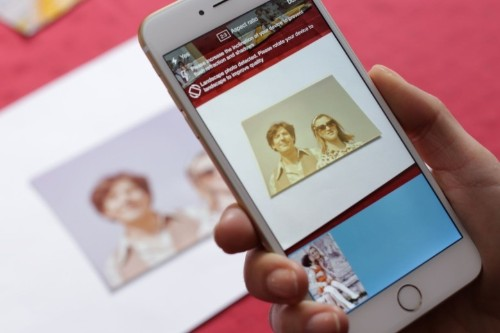 Memories photo scanner brings your old photos into digital world