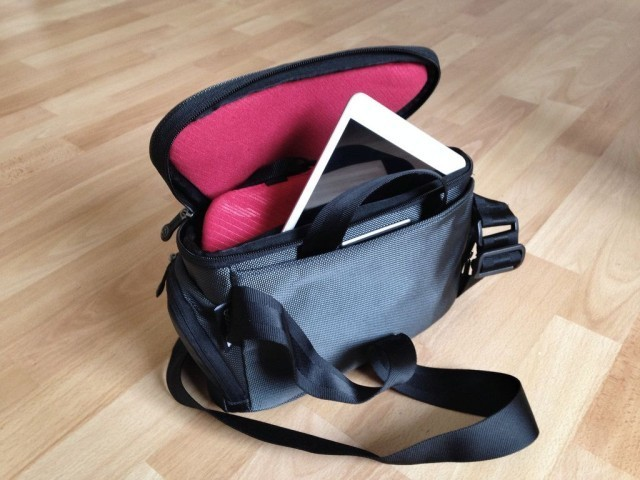 Booq's Python Camera Bag Is Perfect For Mirrorless Minimalists [Review]