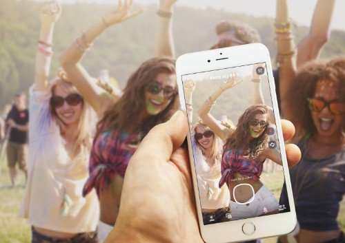 Photo app lets you send the party snaps when you're sober