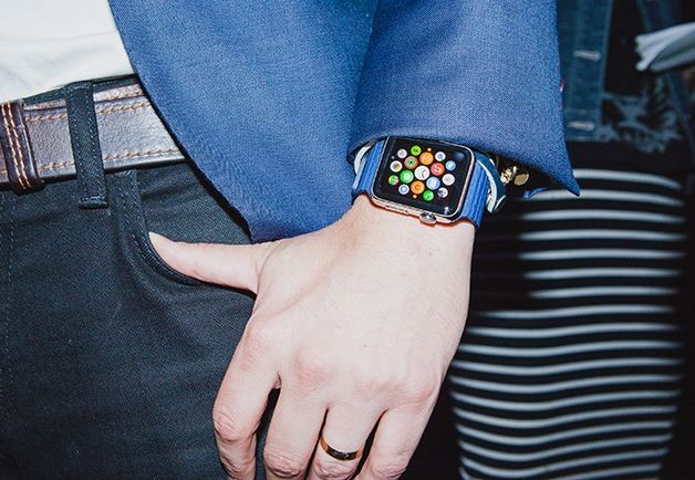 Fashion world gawks at Apple Watch, but questions feminine appeal