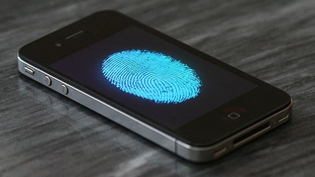 Was iOS 7's Lock Screen Redesigned For The iPhone 5S's Fingerprint Sensor?