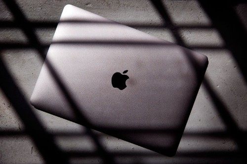 Thin is in: The 2015 MacBook hands-on review