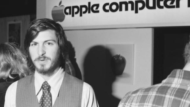 "Steve Jobs' Ex-Girlfriend Reveals Nights of ""Profound Lovemaking"" In New Book"