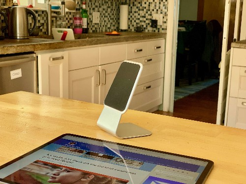 Turn your iPad into a mini iMac with this minimal stand [Review]