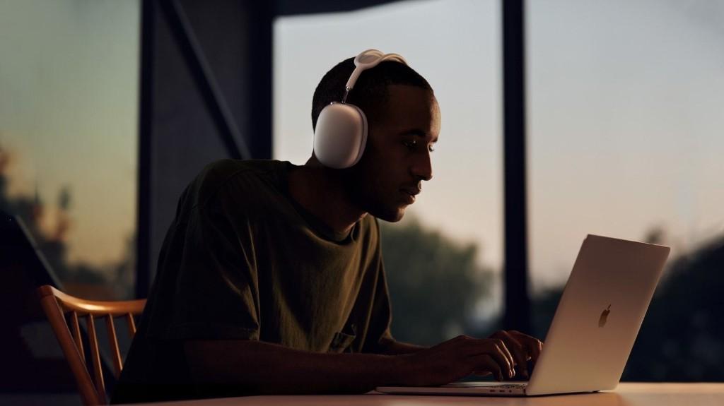 AirPods Max: Apple's new over-ear headphones look fantastic