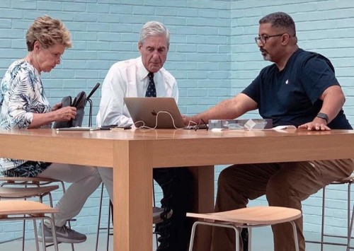 Mueller spotted at Genius Bar appointment in Washington, D.C.