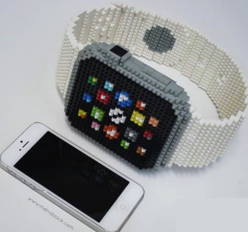 It took 800 Nanoblocks to build this insanely accurate Apple Watch replica