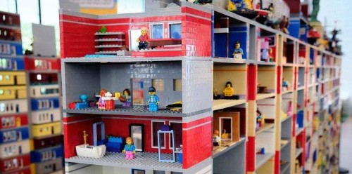 Lego builds record-breaking diorama promoting next iPhone game