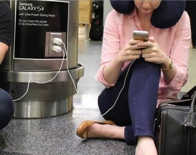 Samsung's new ads mock iPhone wall huggers in real life