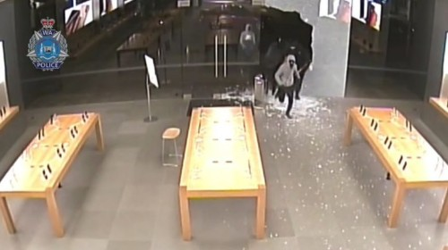 Apple Store thieves rob $200,000 worth of iPhones