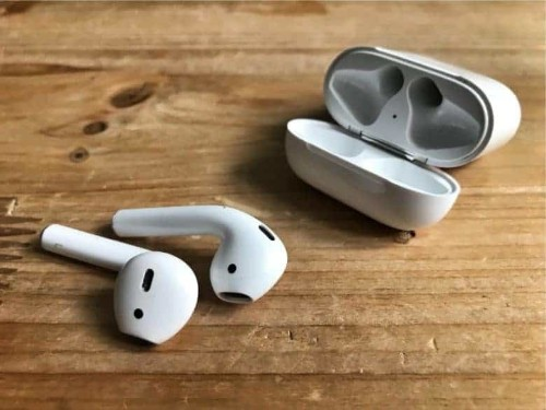 How to see if your original AirPods updated themselves