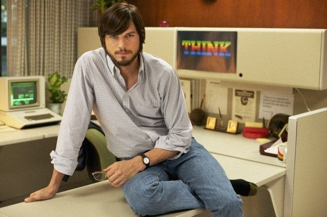 Ashton Kutcher Drops Some Deep Steve Jobs Quotes At The Teen Choice Awards