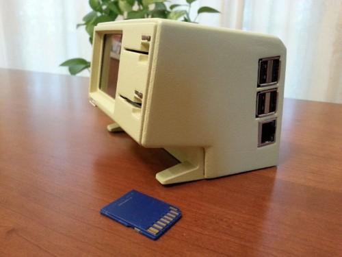 Retro Apple fan makes 3D miniatures of classic Macs