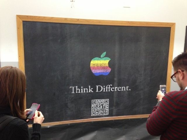"The Teacher Who Illustrated This ""Think Different"" Chalkboard Was The Ultimate Apple Fan [Image]"