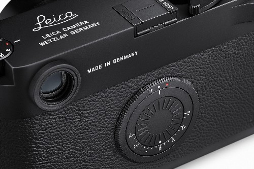 Leica's new camera replaces rear display with your iPhone