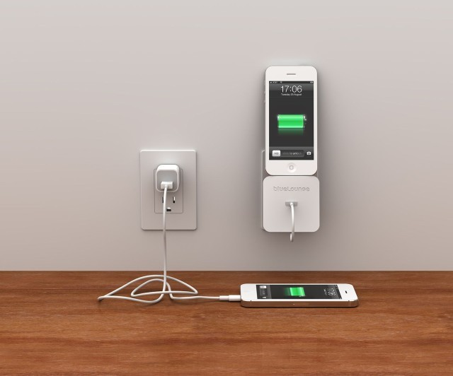 Rolio Turns Your Lightning Cable Into A Versatile Wall-n-Desk Dock