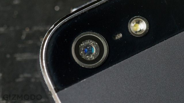 Clean Dust And Dirt Out Of Your iPhone 5 Camera With These Simple Tools [iOS Tips]