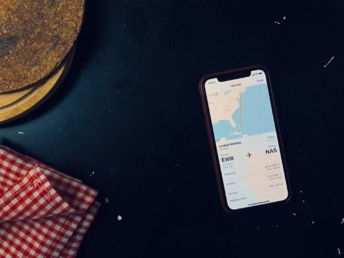 How to instantly track a flight from the Messages app