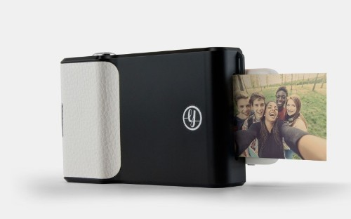 This smartphone case will print out your snapshots