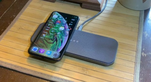 This is the most beautiful multi-device wireless charger we've ever seen [Review]