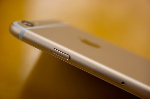 Apple cutting profits in India to get more iPhones in people's hands