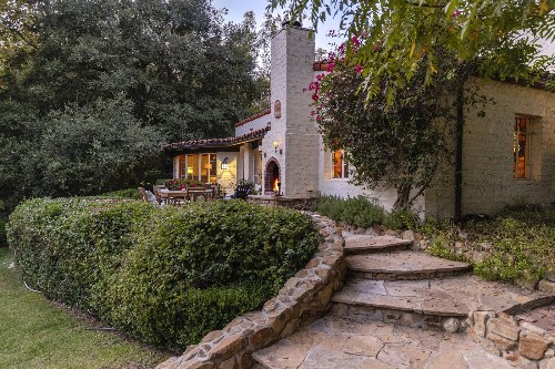 Golden Age of Hollywood Actor Katharine Hepburn's Former L.A. Hideaway is Back on the Market