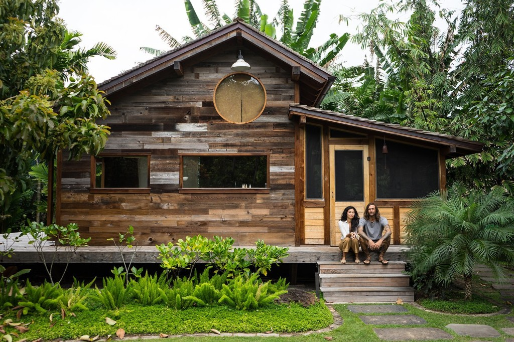 10 Tiny Hawaiian Huts That Prove a Little Goes a Long Way