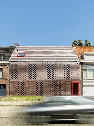 Articles about facade focus brick on Dwell.com