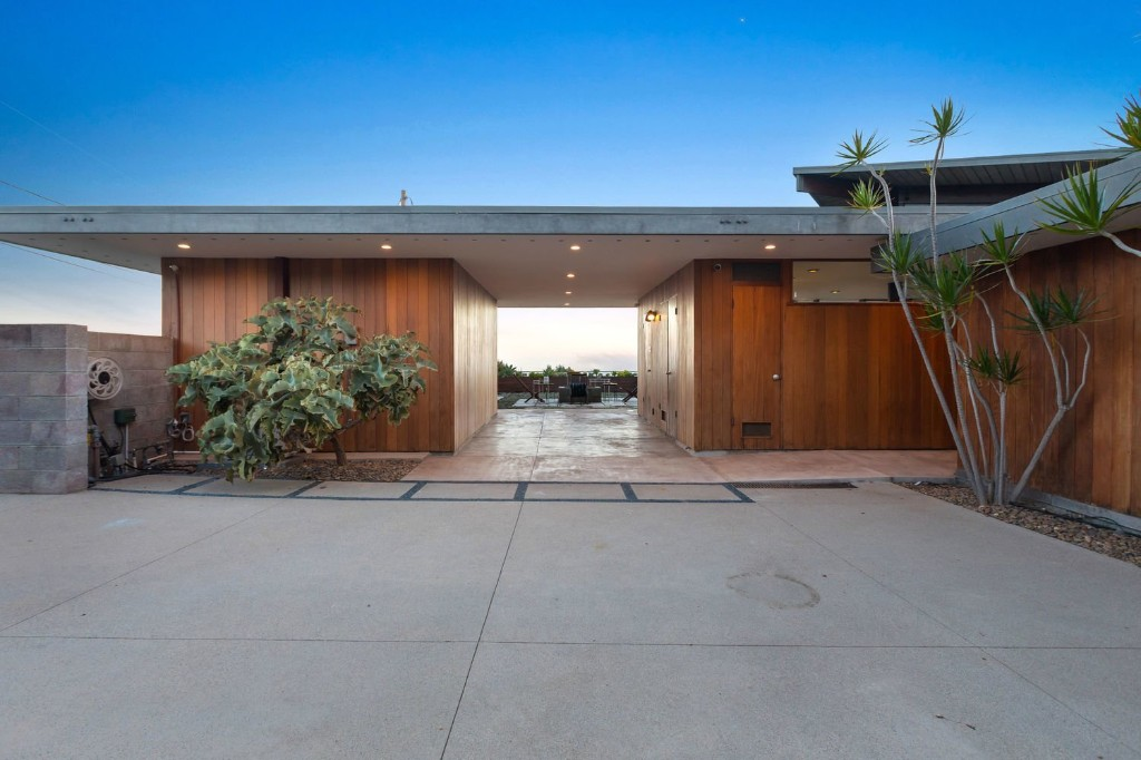 Schneidman House by A Quincy Jones and Whitney R Smith