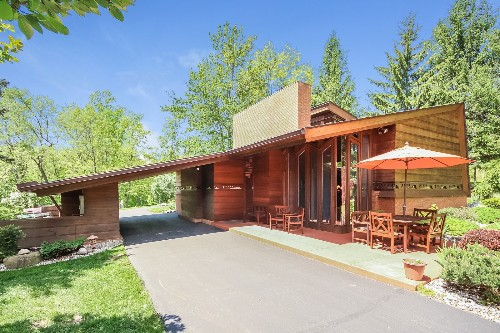 Frank Lloyd Wright's Small Masterpiece: The Haddock House
