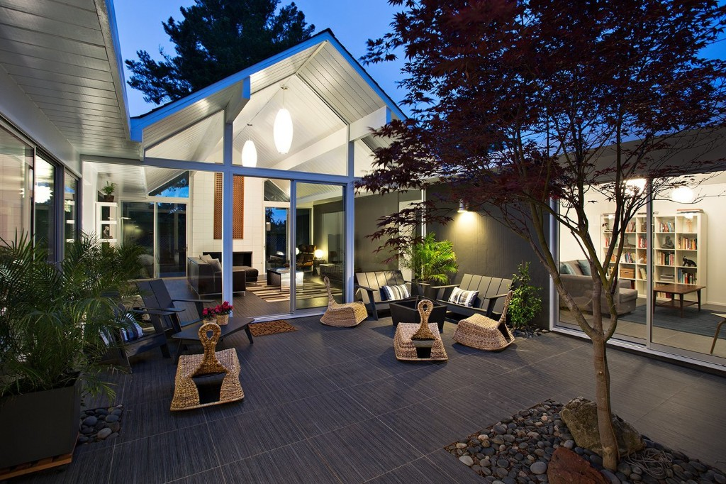 Articles about eichler remodel burlingame california on Dwell.com
