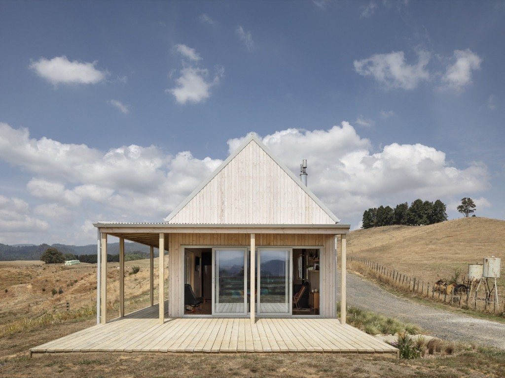 Karangahake House by MAKE Architects