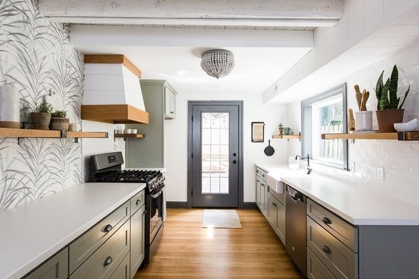 Before & After: A Dark 1880s Row Home Gets an Airy Makeover
