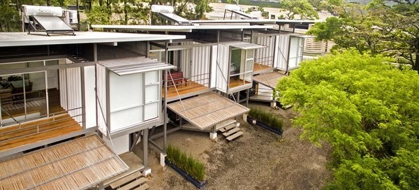 A Costa Rican Family Stays Connected in Three Shipping Container Homes