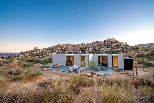 A Writer's Prefab Retreat Sits Lightly Upon the Land in Joshua Tree