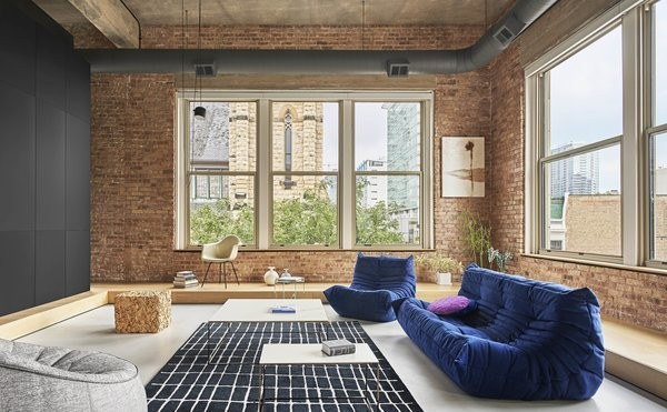 Before & After: A Cavernous Chicago Loft Undergoes an Artistic Renovation