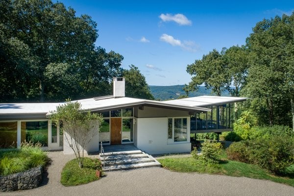 An Architect Lists His Connecticut Retreat and Airstream Pool House for $1.45M
