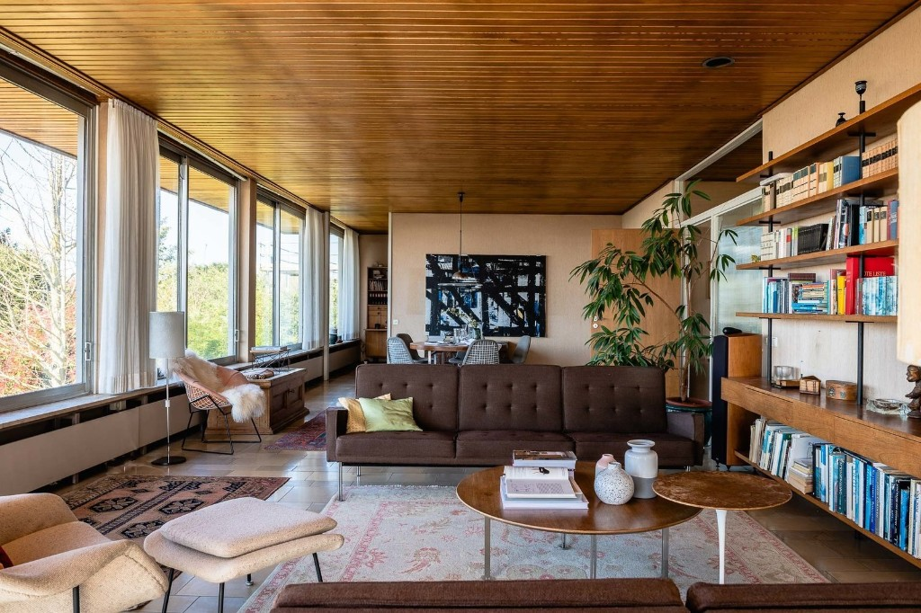 A Giant in the Bauhaus Movement Hits the Market for the First Time for $1.5M