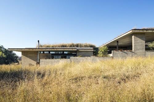 House V by Daffonchio Architects