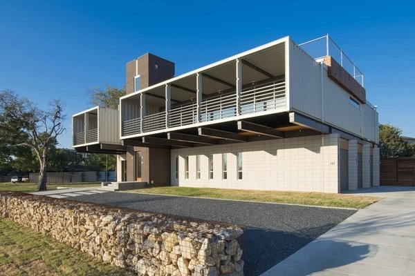 14 Shipping Containers Were Upcycled For This Dallas Home